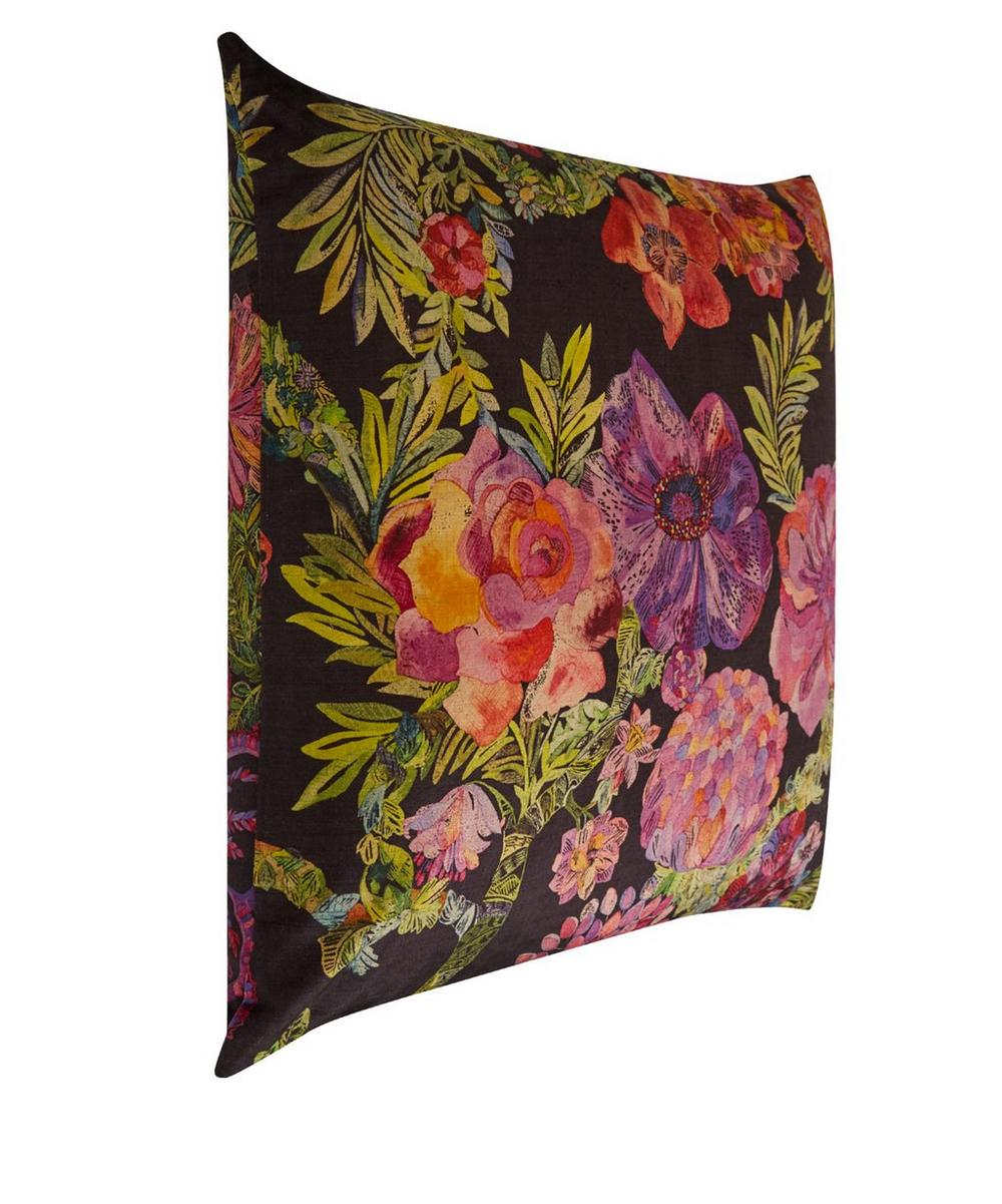 Jeffery Rose Tree Vintage Velvet Cushion In Orchard