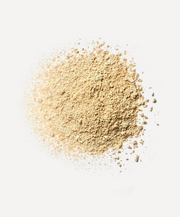 Velvet Loose Powder in Beach