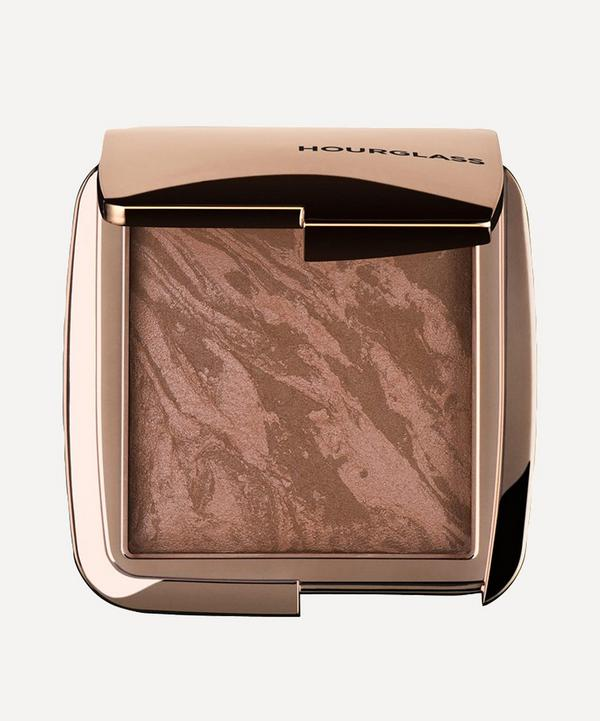 Ambient Lighting Bronzer in Luminous Bronze Light