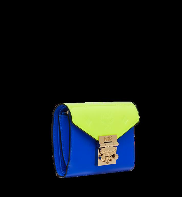 MCM Dreifach gefaltete Patricia Brieftasche aus Lackleder mit Monogramm AlternateView2