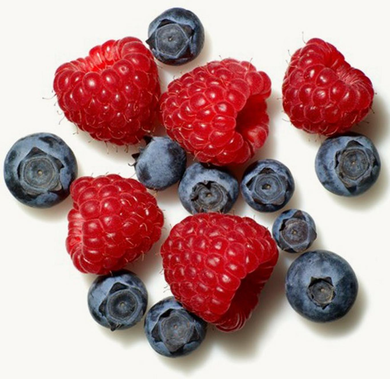 Choose fruits that are high in antioxidants such as blueberries, blackberries, raspberries and strawberries.