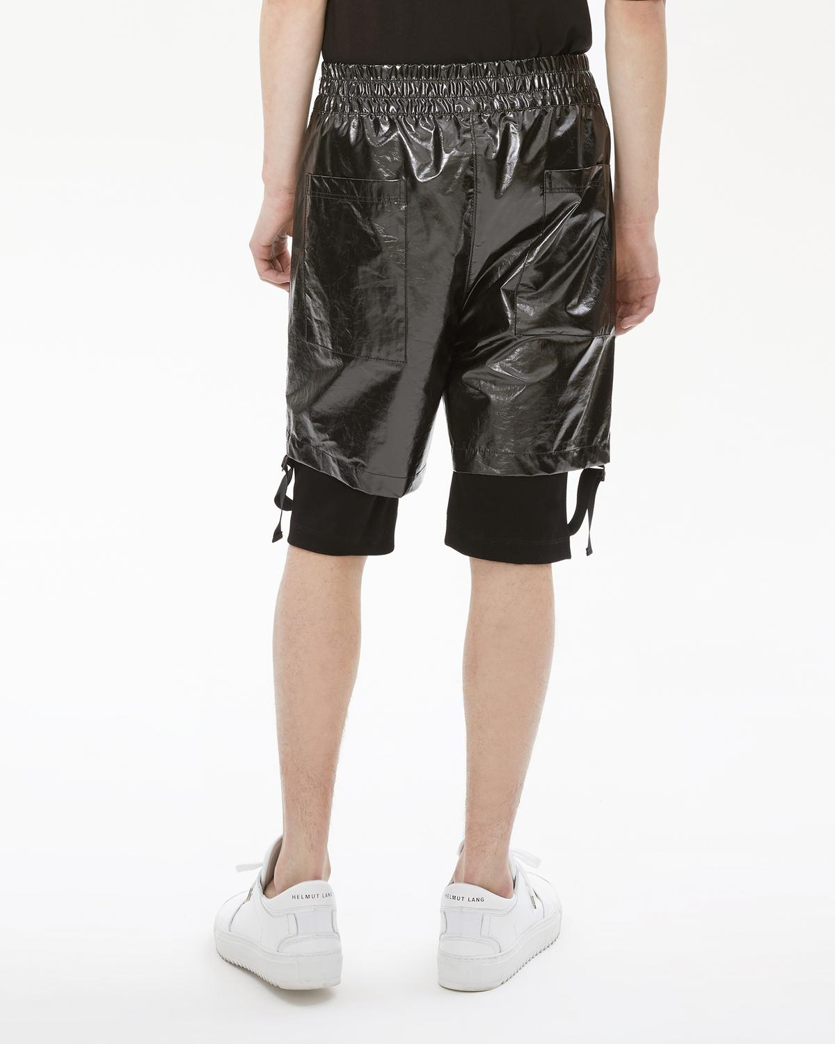 REFLECTIVE LAYERED SHORT