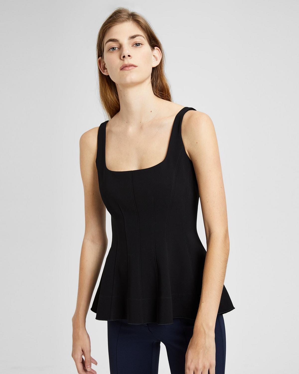 CREPE FLARE TOP