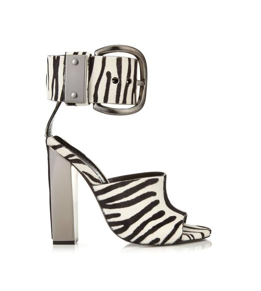 OVERSIZED BUCKLE ANKLE STRAP SANDAL