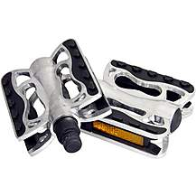 image of Halfords Comfort Aluminium Bike Pedals 2016