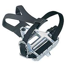 image of Wellgo Lu961 Alloy Road Pedals With Clips And Straps