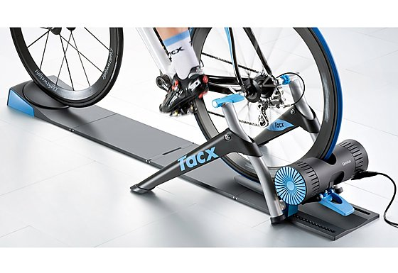 Tacx Genius Multiplayer Virtual Reality Trainer with Video Reality & VR Software