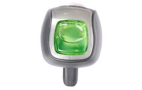 image of Febreze New Zealand Clip-On Air Freshener