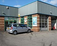 Halfords Autocentre Leeds (Low Road)