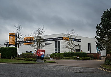 Halfords Autocentre Milton Keynes (Winterhill)