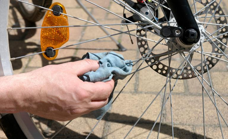 Image for How to Clean a Bike Chain Guide + Video article