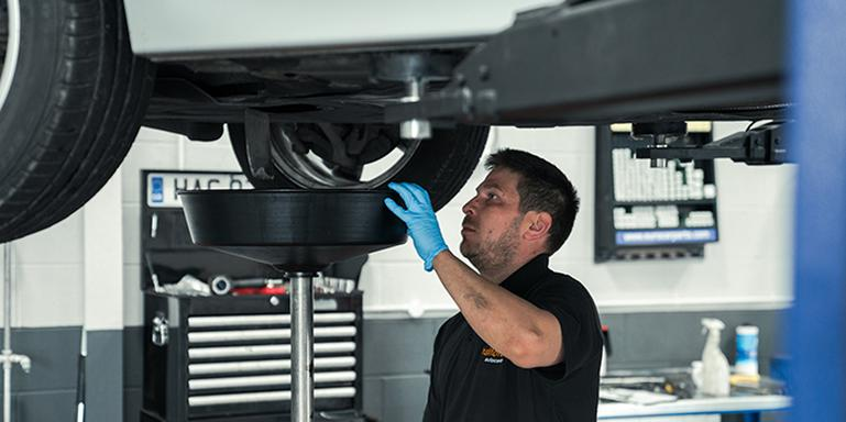 Image for What's the difference between a Car Service and an MOT? article