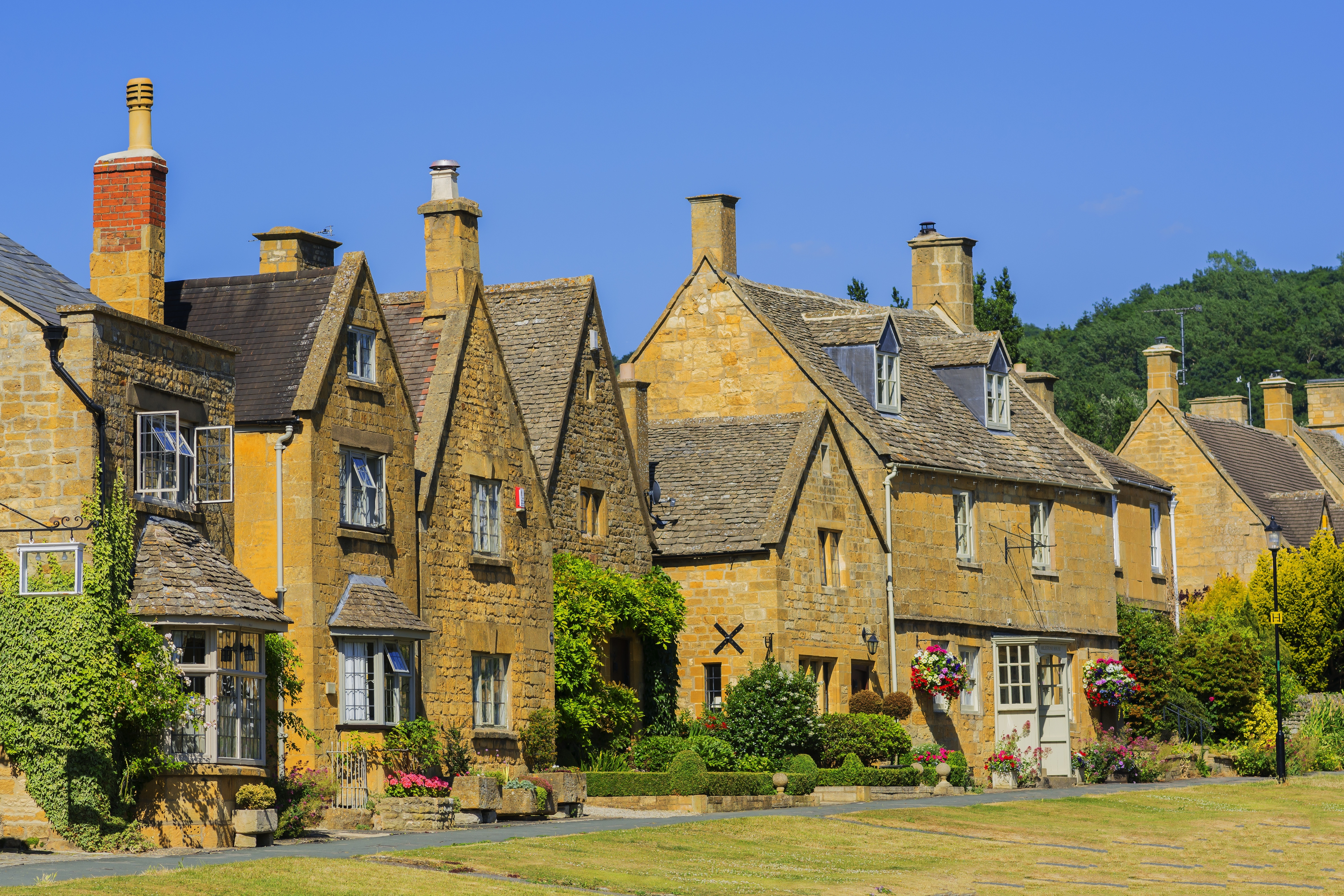 Limestone cottages in Broadway, The Cotswolds