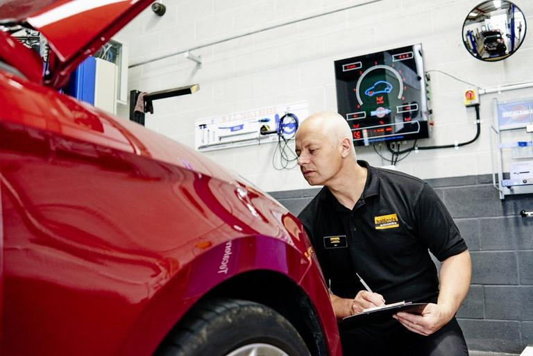 Image for What's checked in an MOT? article