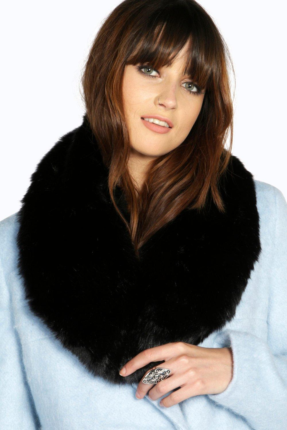 Rose Faux Fur Collar Scarf