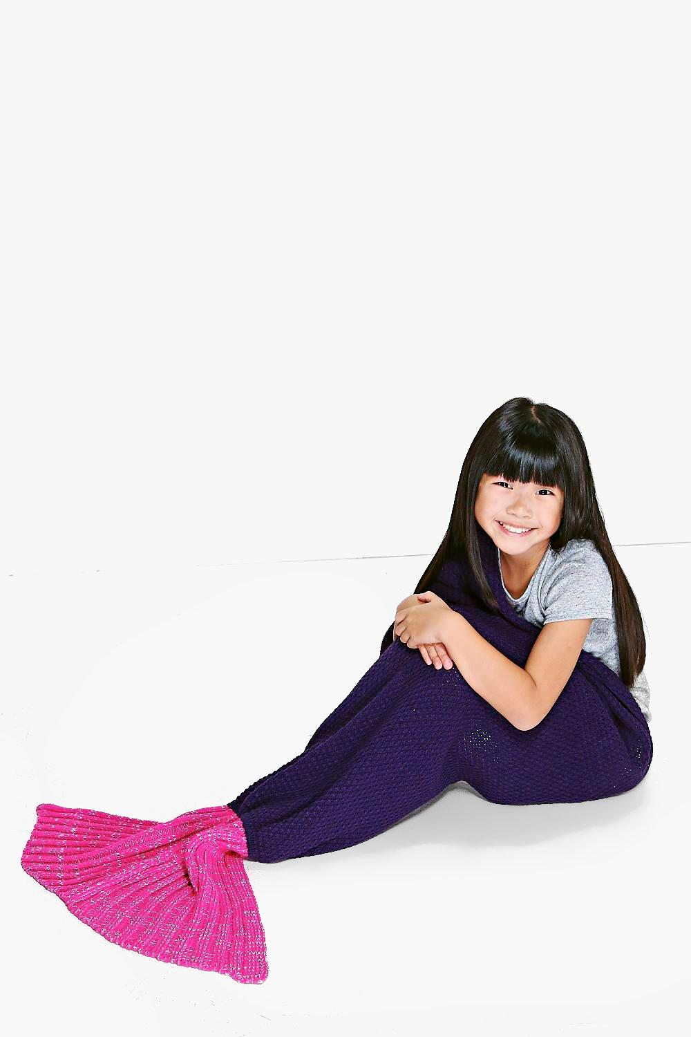 Girls Mermaid Tail Contrast Blanket