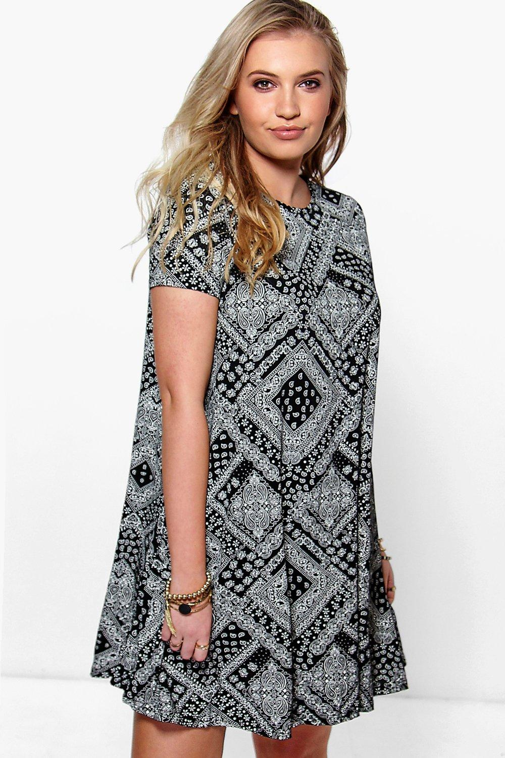 Plus Hana Mono Swing Dress