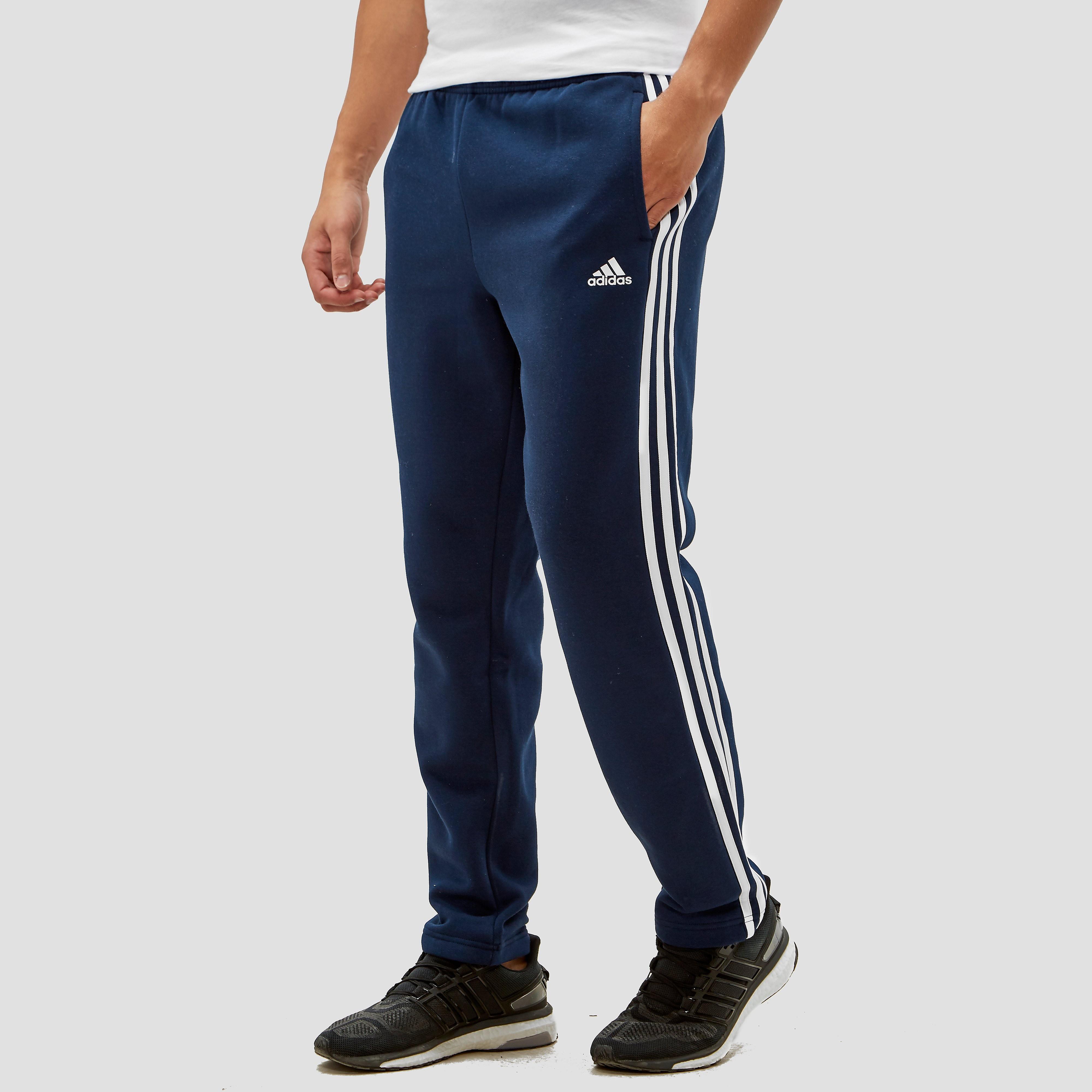 NU 15% KORTING: ADIDAS PERFORMANCE joggingbroek »ESSENTIALS 3S TAPERED FLEECE PANT«