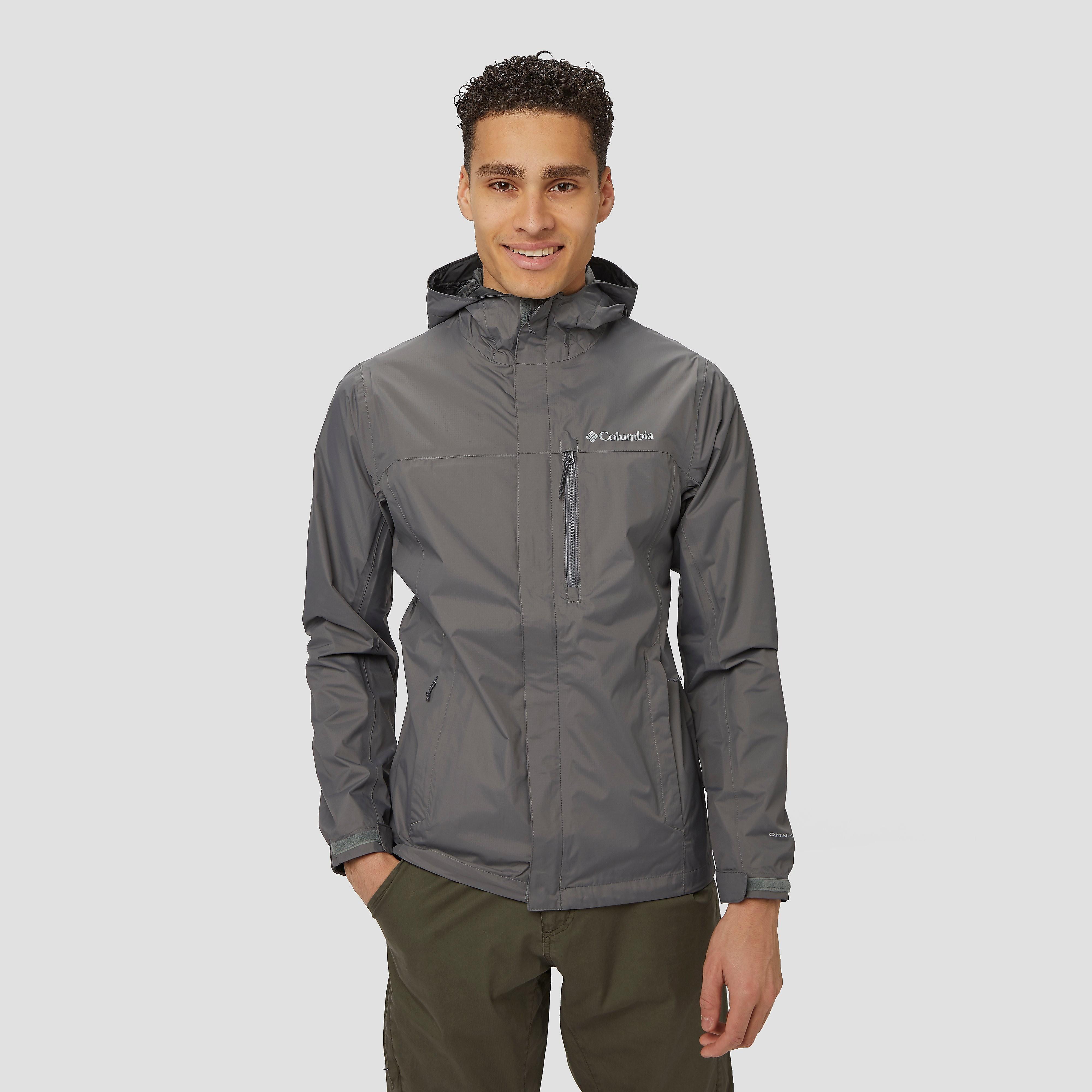 Kom door weer en wind droog aan op je plaats van bestemming. de grijze pouring adventure ii outdoorjas van ...