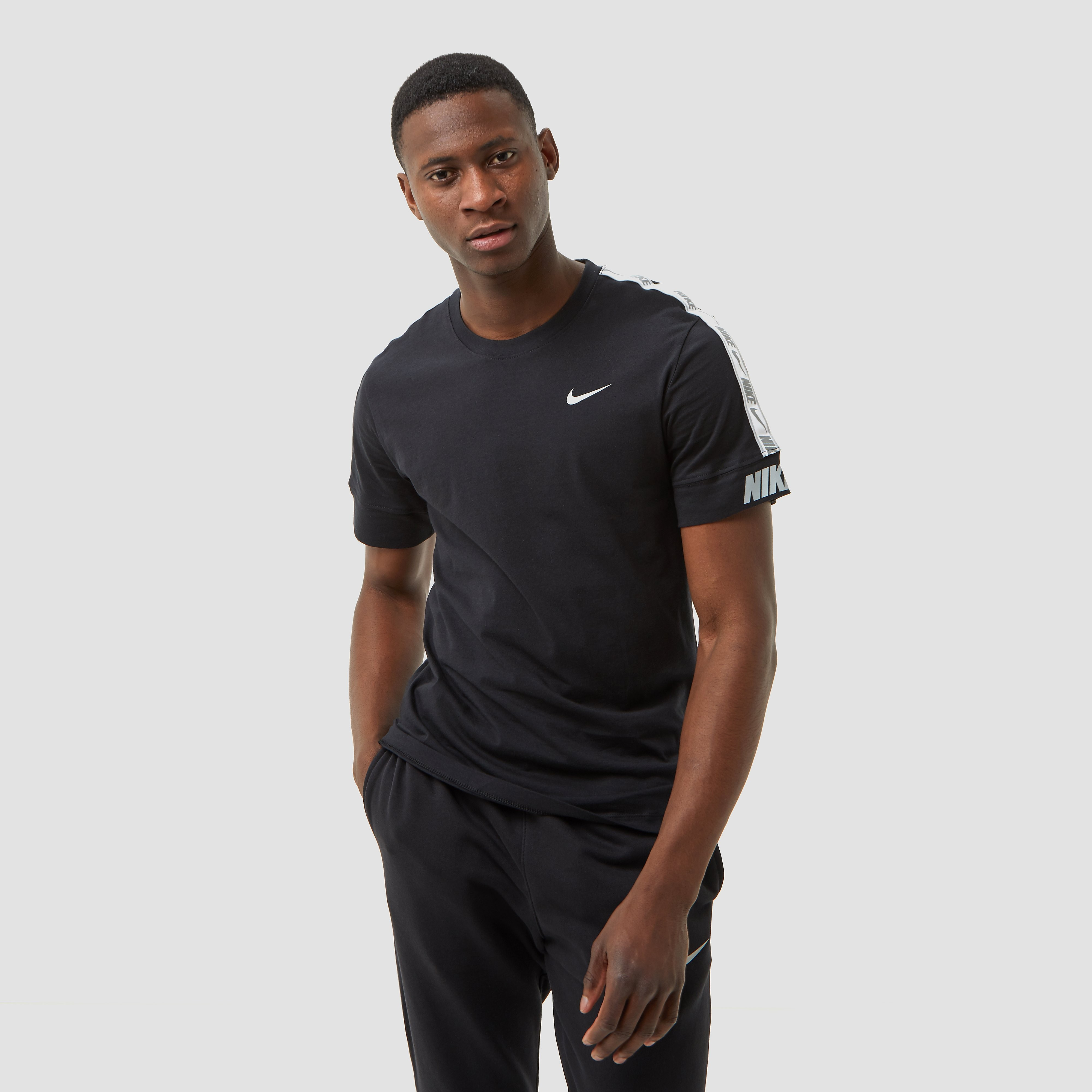 NIKE Sportswear repeat shirt zwart heren Heren