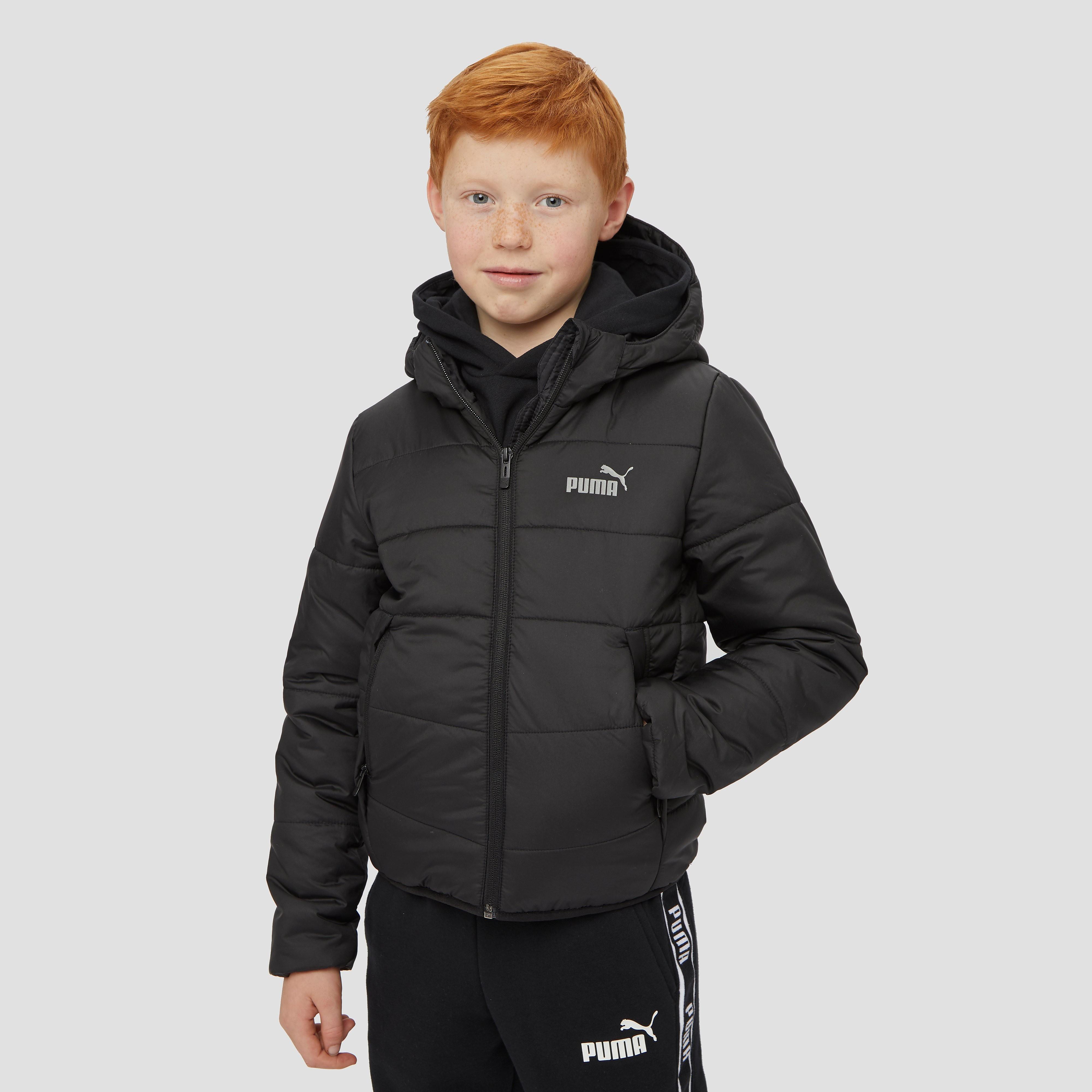 De puma essential hooded padded winterjas geeft kinderen een extra zetje om naar buiten te gaan. dit zwarte ...
