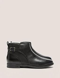 UGG Demi Footwear