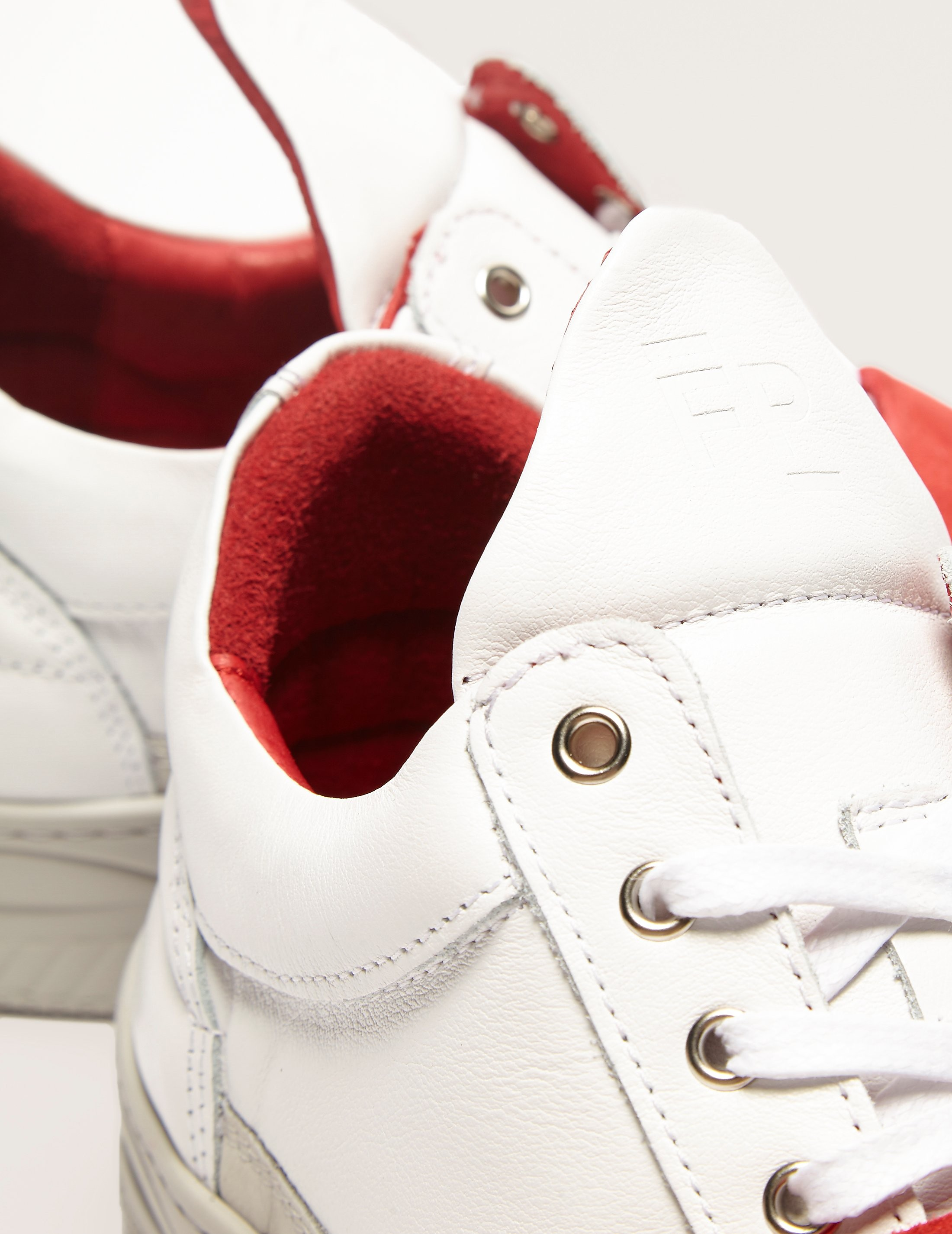Filling Pieces Low Top Red Strap