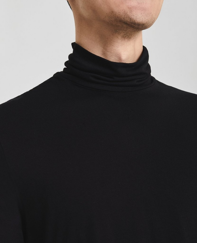 The Clyde Turtleneck