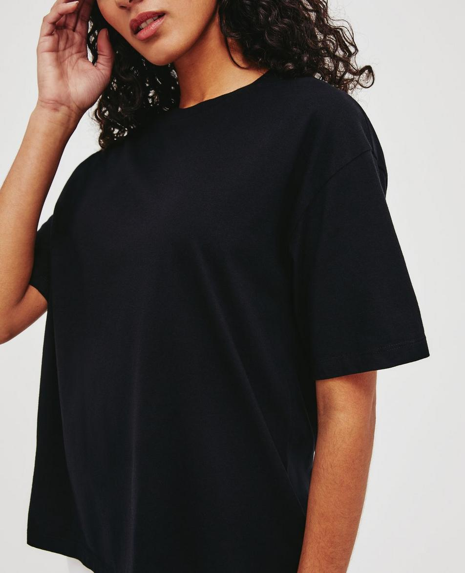 Eva Ex-Boyfriend Crew