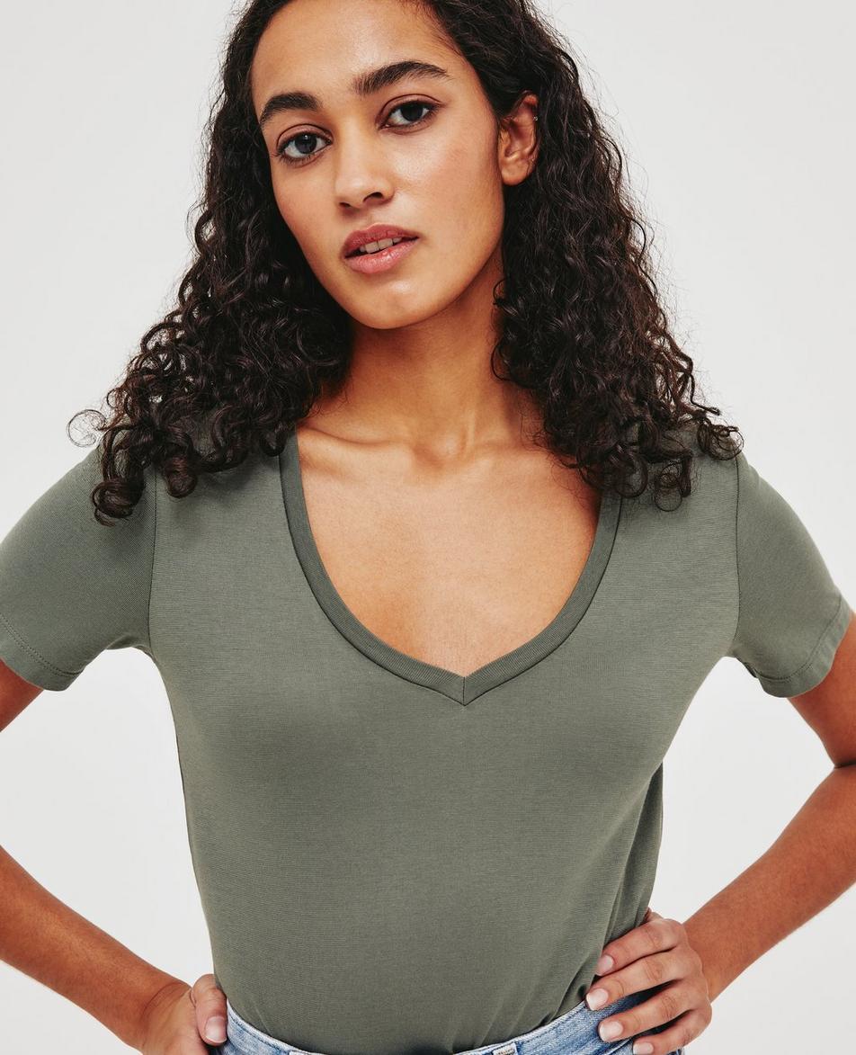 Eva V-Neck Tee