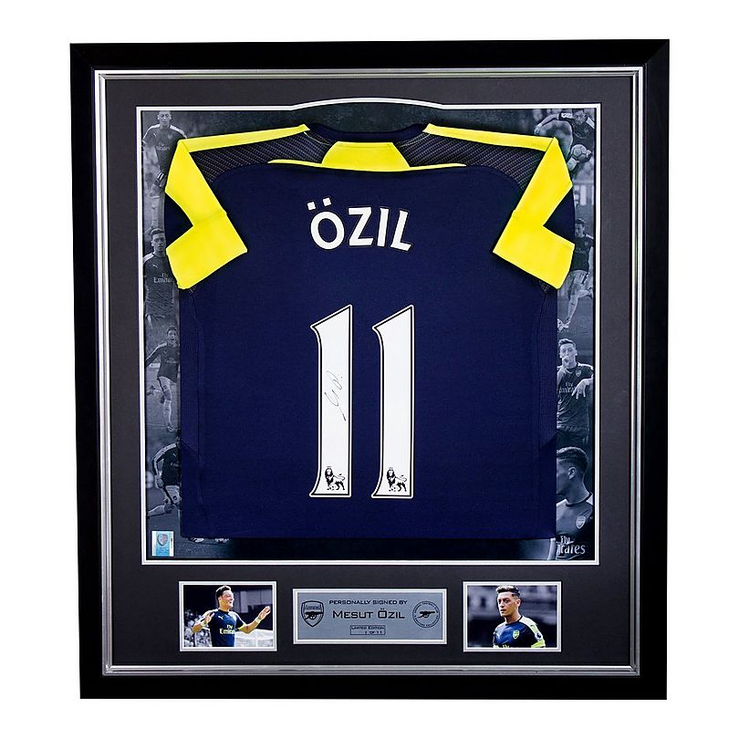e3e17e331 Özil Framed Signed 16 17 Third Shirt