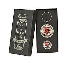 Arsenal 2017 FA Cup Winners Badge and Keyring Set
