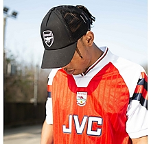 Arsenal Essentials Black Crest Cap