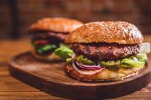 Simon Howie Venison & Redcurrant Burgers