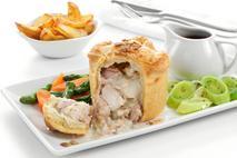Brakes Fully Baked Deep Filled British Chicken, Wiltshire Ham, Leek & White Wine Pies