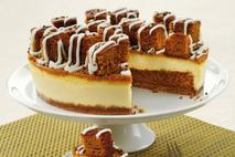 Gingerbread Sparkle Cheesecake