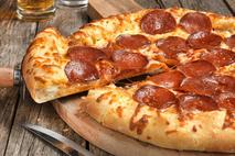 Chicago Town Takeaway Cheese Stuffed Crust Pepperoni Pizza 30cm