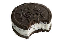 Wall's Cornetto Go  Cookies & Cream  110ml