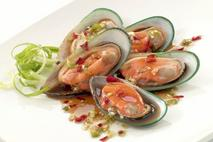 New Zealand Blanched Greenlip Mussels in Half Shell