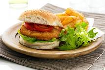 Bernard Matthews Foodservice 40 Crispy Crumb Turkey Burgers