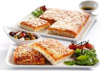 Brakes Essentials Cheese & Tomato Pizza Slabs