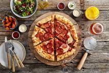 "Chicago Town Takeaway Stuffed Crust Pepperoni Pizza 12"""