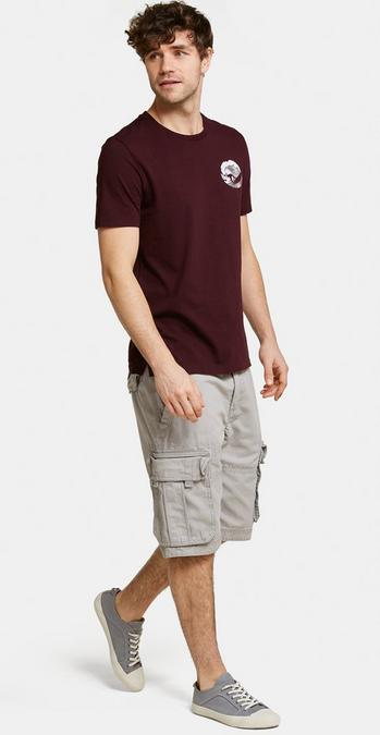 Make model wearing the Breakyard Cargo Shorts in Dove