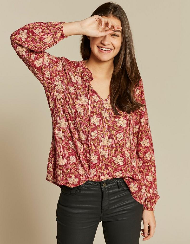 82202f4abd052 Elle Stitchwork Floral Blouse