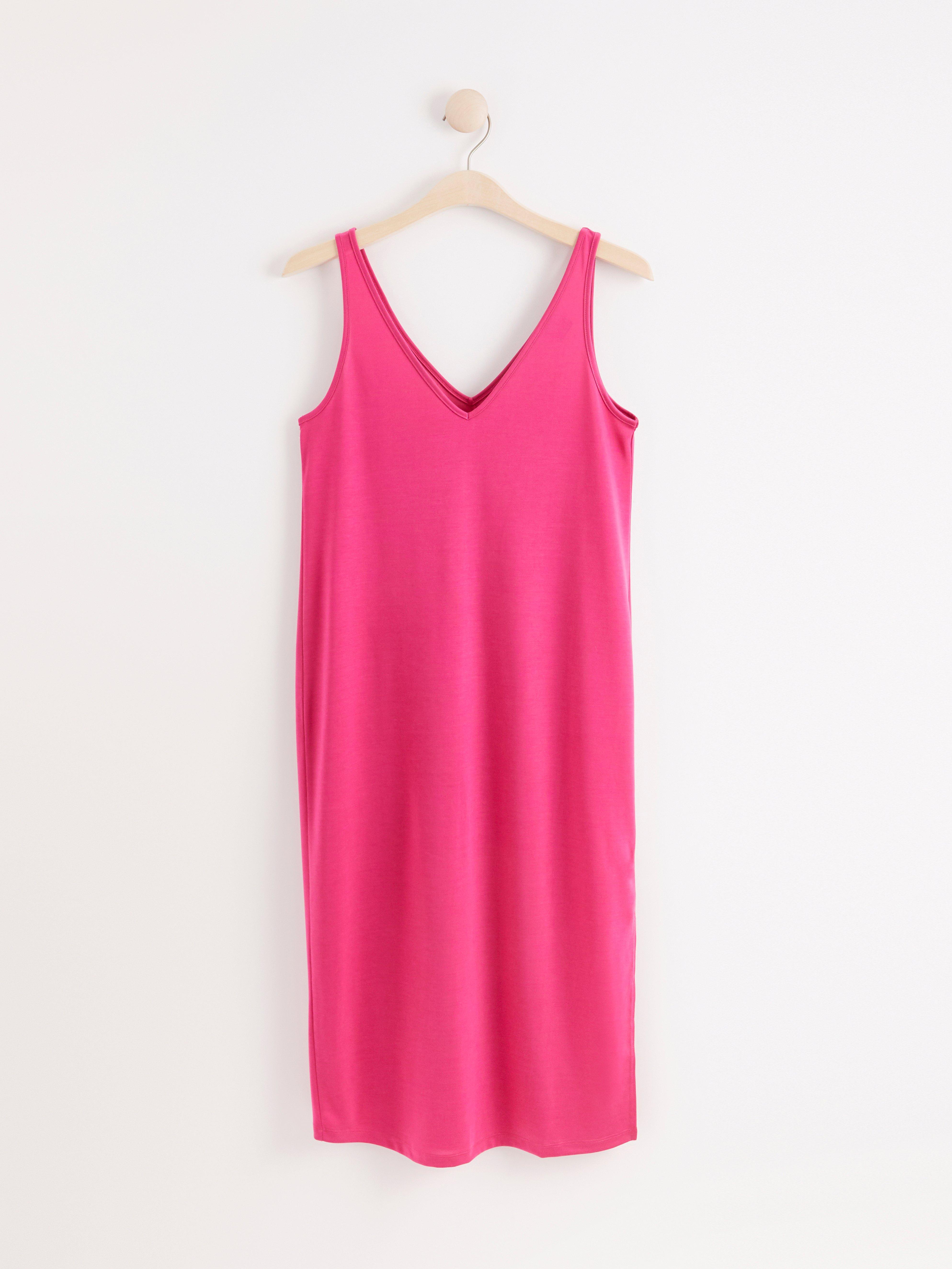 V-ringad klänning i lyocellblandning
