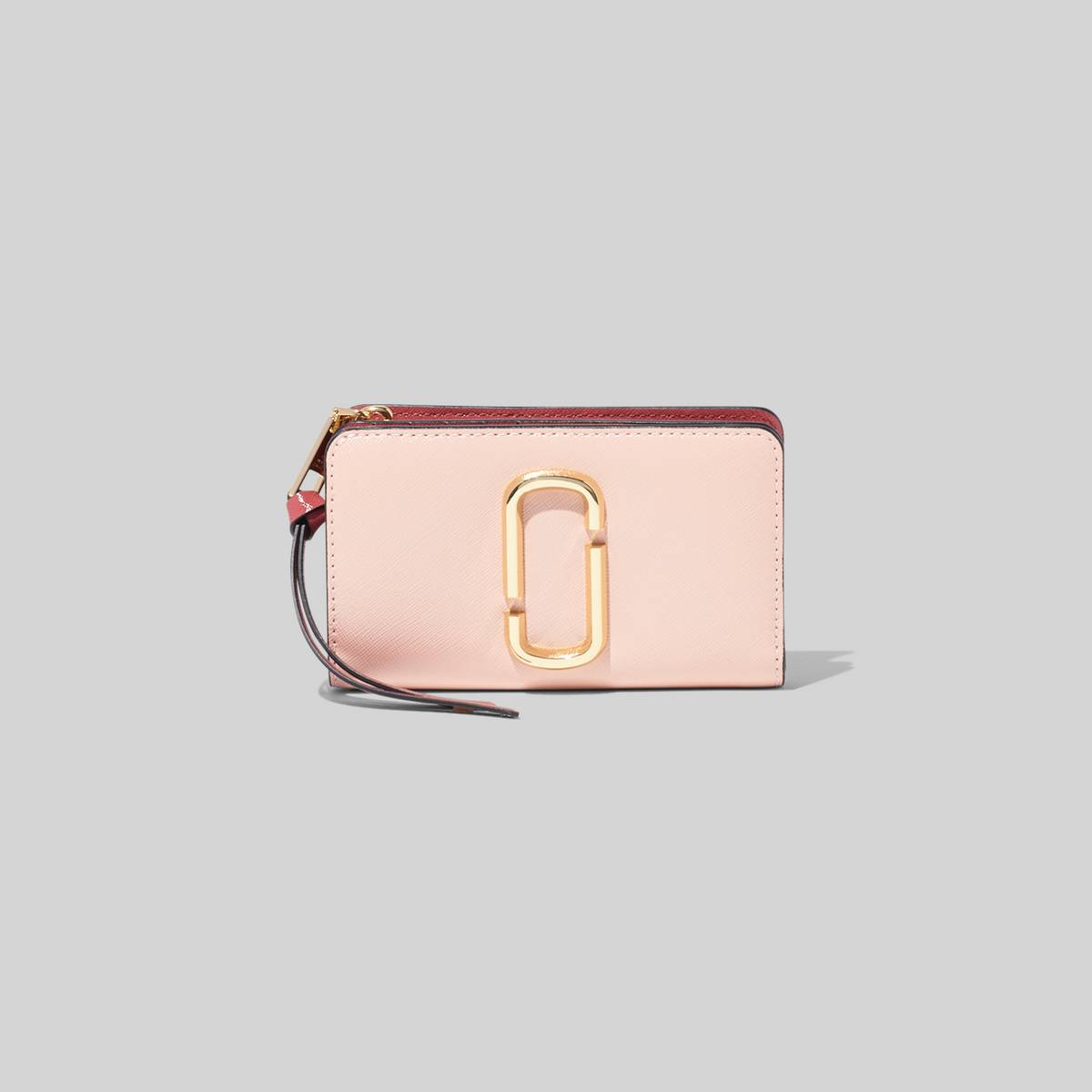 Small leather wallet with Double-J hardware. | MARC JACOBS Women\\'s The Snapshot Compact Wallet in New Rose Multi