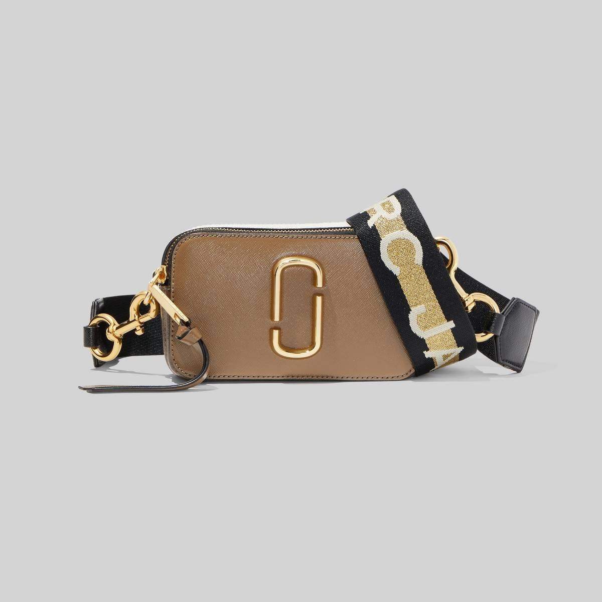 Small camera-style bag in Saffiano leather with an adjustable, logo crossbody strap. | MARC JACOBS Women\\'s The Logo Strap Snapshot Bag in French Grey Multi
