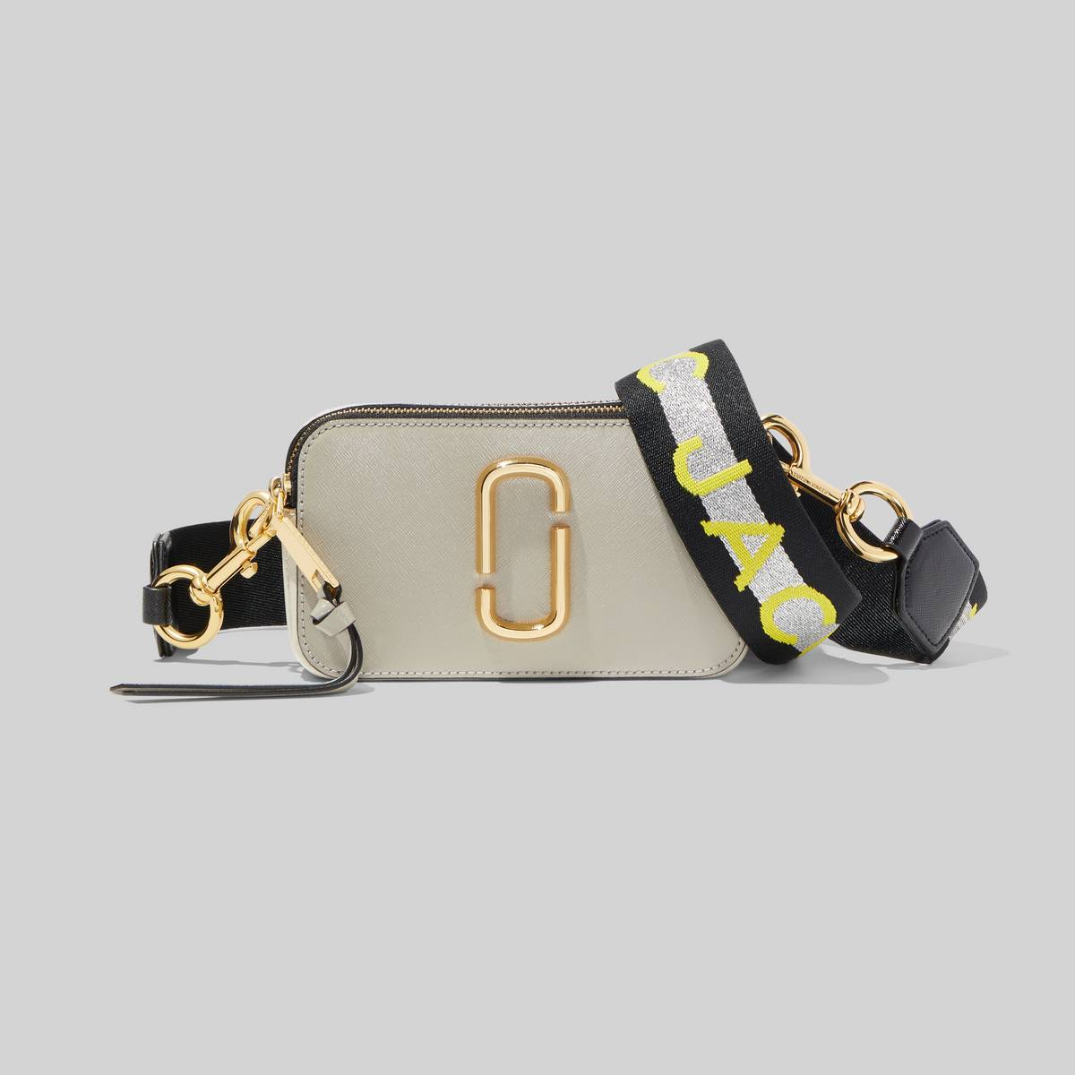 Small camera-style bag in Saffiano leather with an adjustable, logo crossbody strap. | MARC JACOBS Women\\'s The Logo Strap Snapshot Bag in Dust Multi