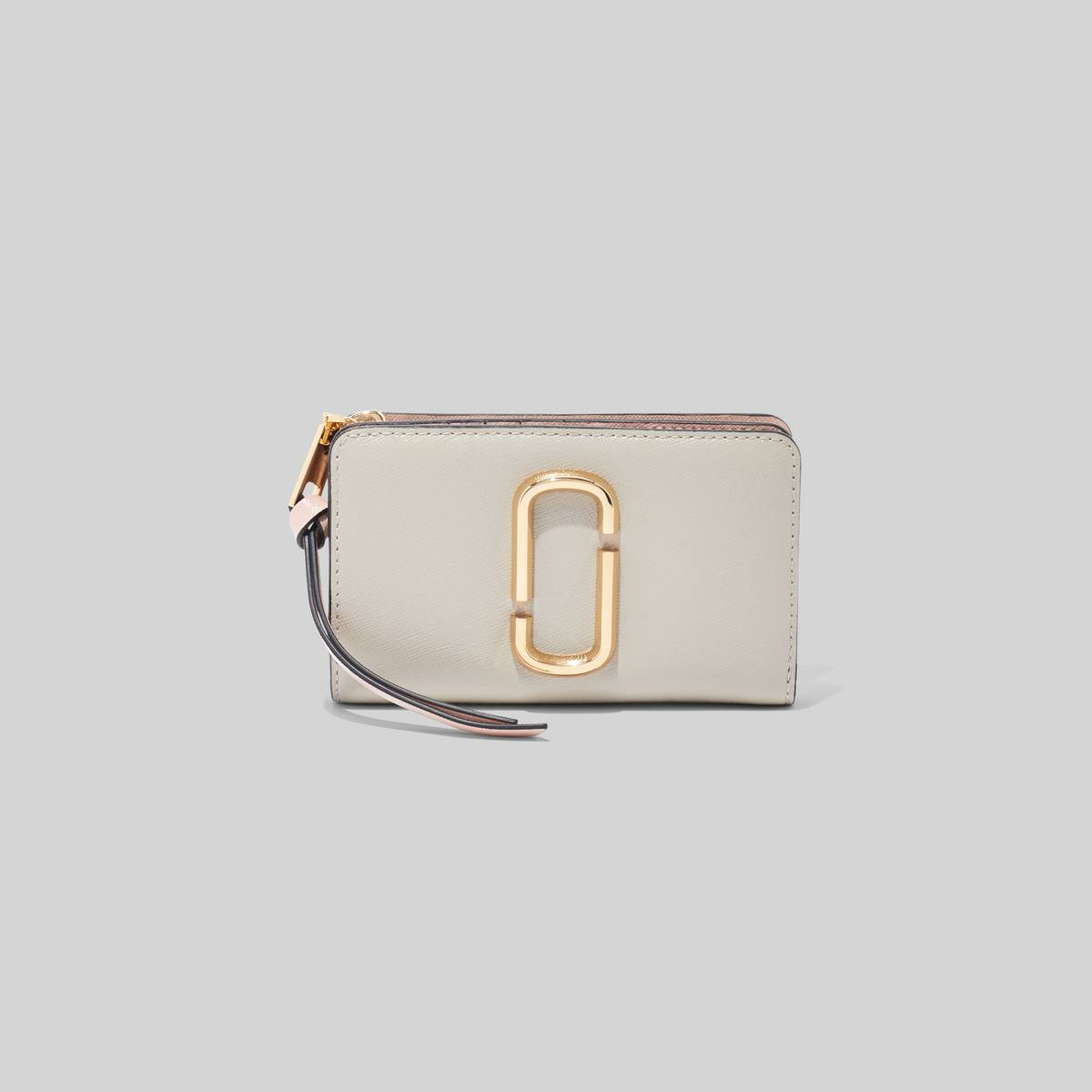 The Snapshot Standard Continental Wallet features plenty of interior compartment space for your cash, cards, receipts, and everything else in between. | MARC JACOBS Women\\'s The Snapshot Compact Wallet in Dust Multi