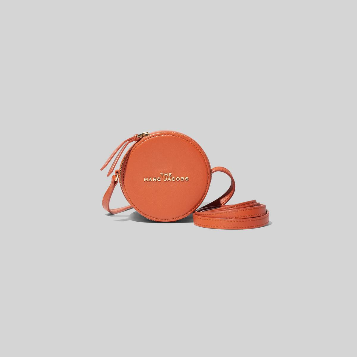 A mini bag that\\'s spot on. Use it to carry cash, AirPods, mintsany and all the small items you love. | MARC JACOBS Women\\'s The Hot Spot in Clove